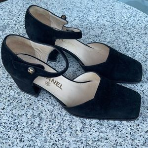 Vintage CHANEL Suede square-toed heeled Mary Janes